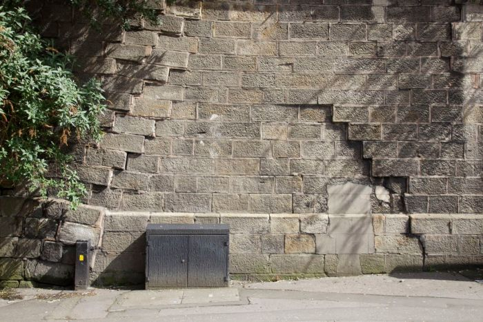 Subsidence in the wall flanking Hunt's Bank and Victoria Street