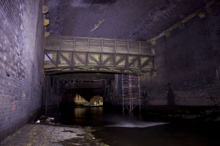 8. Former cattle bridge spanning the Irk culvert, now used as a utility tunnel
