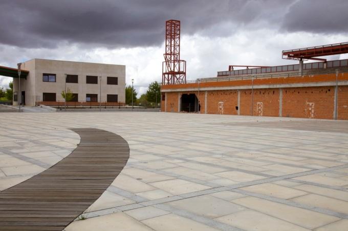 Central plaza, Valdeluz
