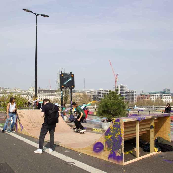Exctinction Rebellion occupation, Waterloo Bridge